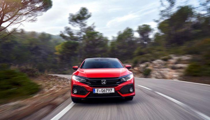 Civic Honda 2017, prova su strada, frontale.