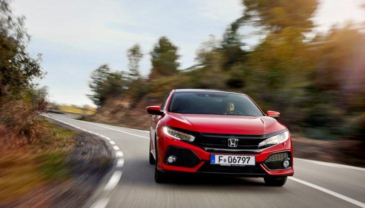 Prova su strada della nuova Civic Honda 2017, frontale.