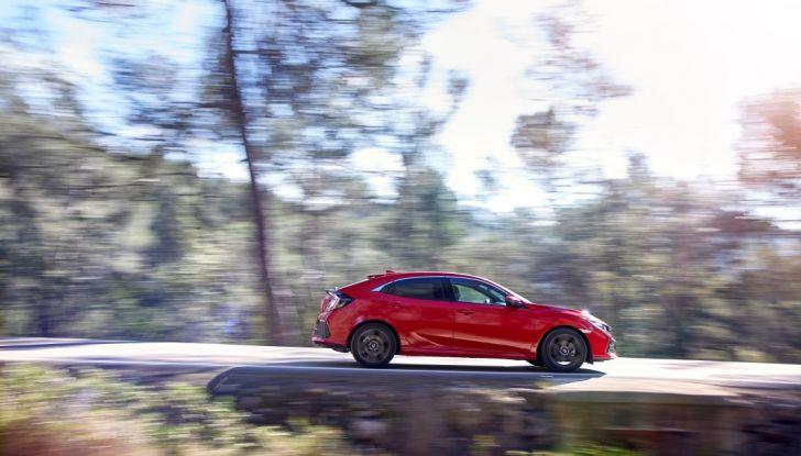 Nuova Honda Civic 2017, profilo.