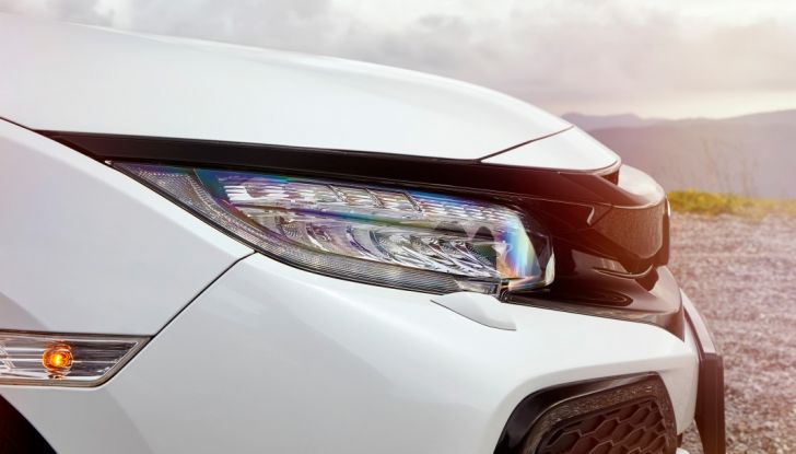 Nuova Honda Civic 2017, fanale.