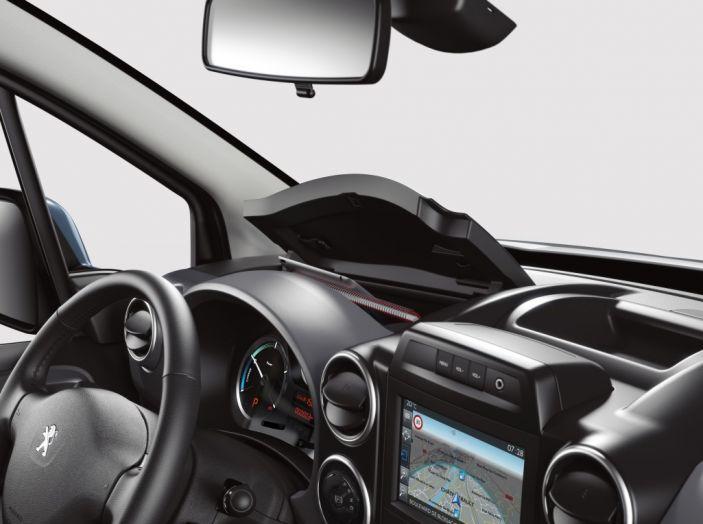 Nuovo Peugeot Partner Tepee Electric: In città senza far rumore - Foto 17 di 17