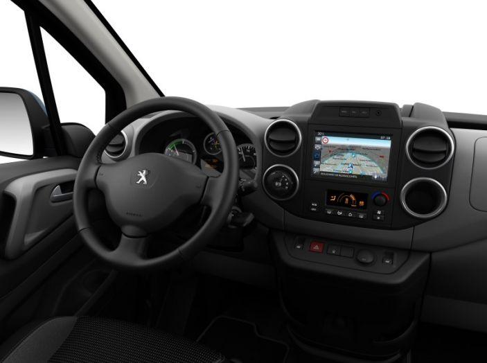 Nuovo Peugeot Partner Tepee Electric: In città senza far rumore - Foto 8 di 17