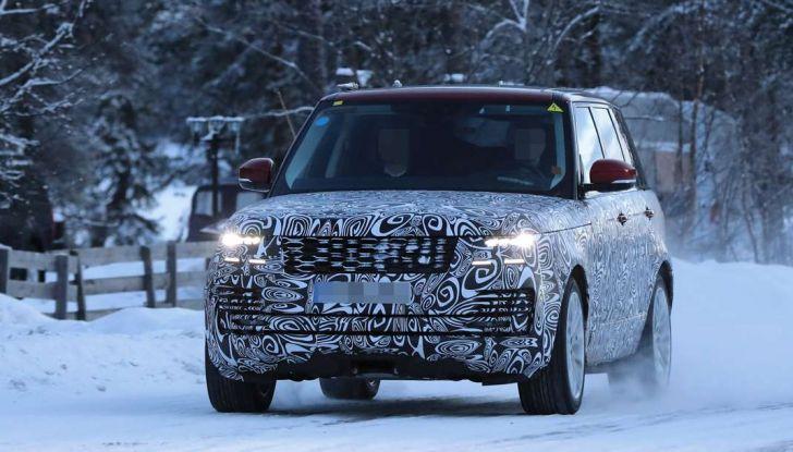 Range Rover Facelift, prime immagini spia del MY2018 - Foto 11 di 18