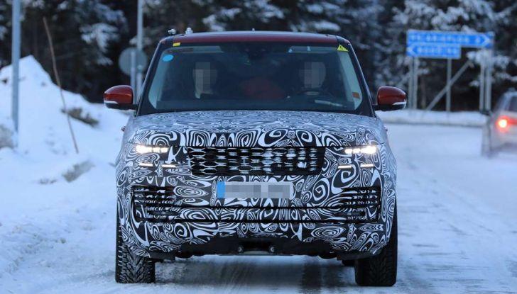 Range Rover Facelift, prime immagini spia del MY2018 - Foto 4 di 18