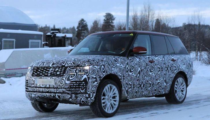 Range Rover Facelift, prime immagini spia del MY2018 - Foto 7 di 18