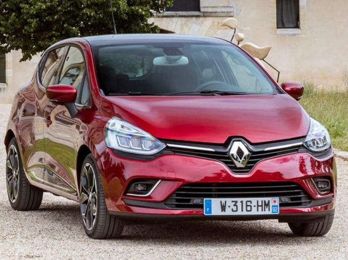 Renault Clio Turbo GPL vista 3/4 anteriore laterale destra.