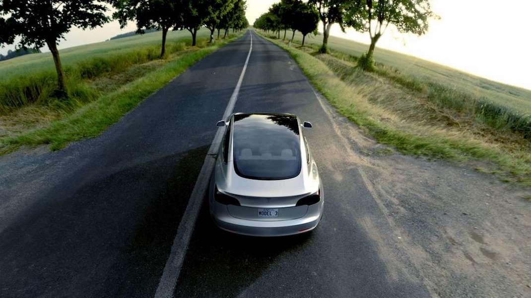 Tesla - Model 3
