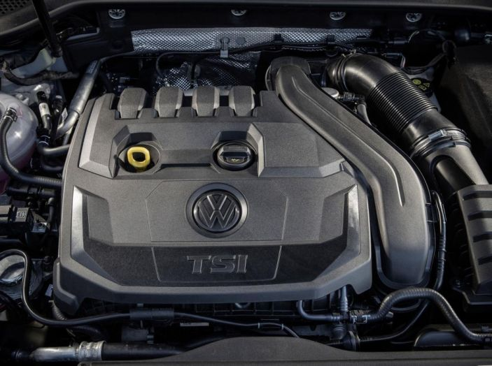Nuova golf vano motore