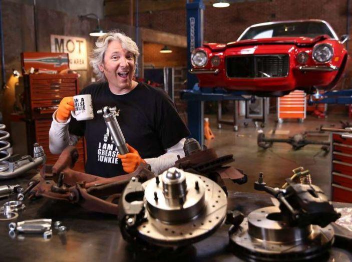 Affari a quattro ruote edd china lascia il programma for Quattro piani di garage per auto