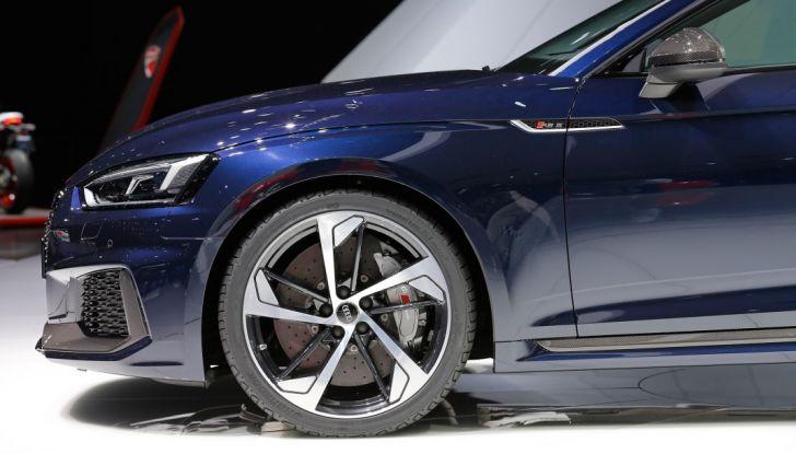 Audi RS5 Coupé: tagliata col bisturi - Foto 4 di 30