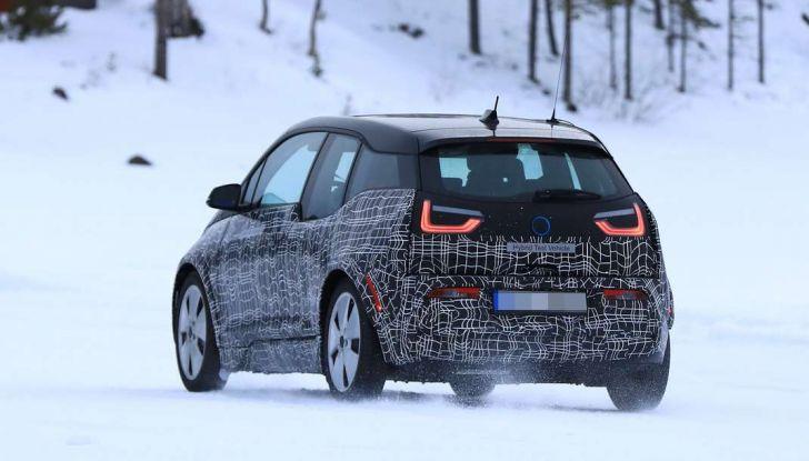 BMW i3 Facelift 2018, immagini spia e primi dettagli - Foto 2 di 10