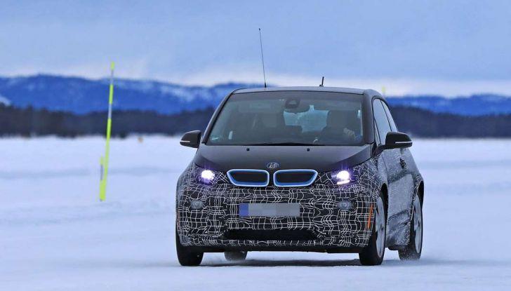 BMW i3 Facelift 2018, immagini spia e primi dettagli - Foto 4 di 10