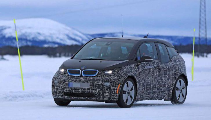 BMW i3 Facelift 2018, immagini spia e primi dettagli - Foto 6 di 10