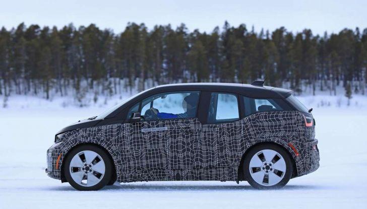 BMW i3 Facelift 2018, immagini spia e primi dettagli - Foto 8 di 10