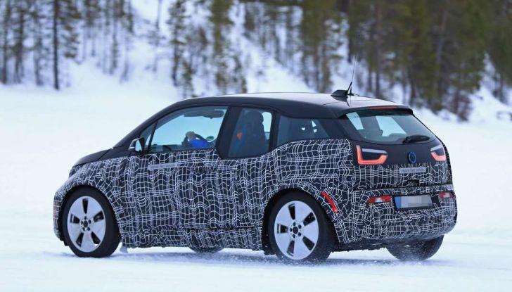 BMW i3 Facelift 2018, immagini spia e primi dettagli - Foto 9 di 10