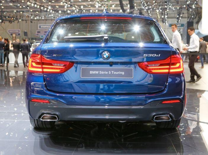 BMW Serie 5 Touring motorizzazioni, allestimenti e informazioni - Foto 21 di 25