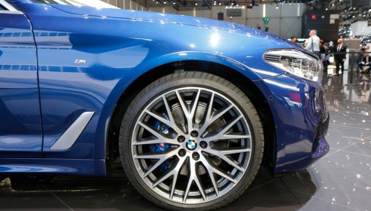 BMW Serie 5 Touring motorizzazioni, allestimenti e informazioni - Foto 4 di 25
