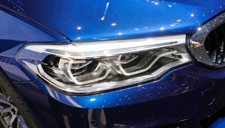 BMW Serie 5 Touring motorizzazioni, allestimenti e informazioni - Foto 24 di 25