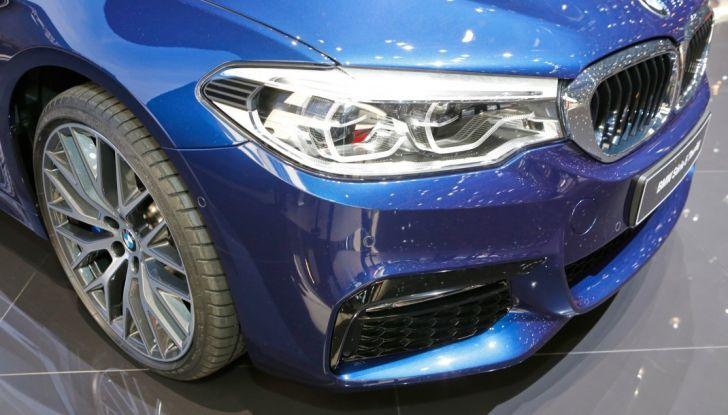 BMW Serie 5 Touring motorizzazioni, allestimenti e informazioni - Foto 25 di 25