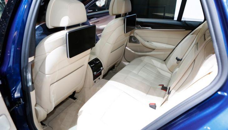 BMW Serie 5 Touring motorizzazioni, allestimenti e informazioni - Foto 10 di 25