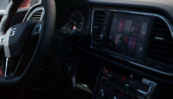 Nuova Seat Leon TGI a Metano 2019: più autonomia e prezzi da 24.415€ - Foto 24 di 32