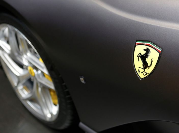 Ferrari 812 Superfast: la berlinetta V12 da 800CV - Foto 4 di 22