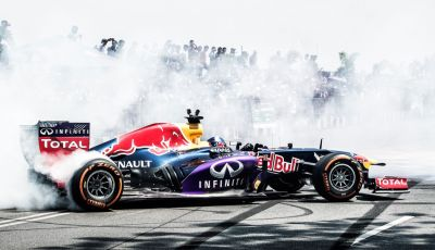 Infiniti offre un lavoro da sogno nel Team Renault Sport di Formula Uno