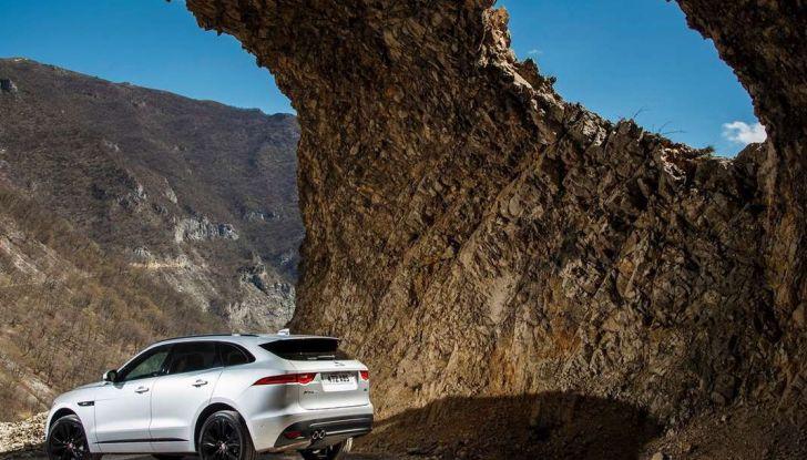 Jaguar F-Pace: gamma motori, allestimenti e prezzi - Foto 4 di 18