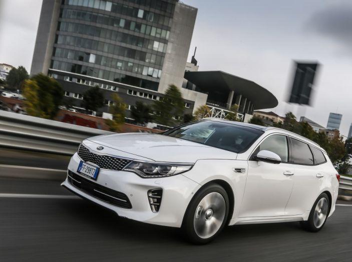 Kia Optima Sportswagon Plug-In Hybrid, evoluzione silenziosa - Foto 3 di 16