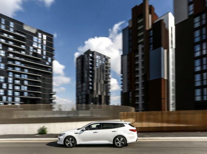 Kia Optima Sportswagon Plug-In Hybrid, evoluzione silenziosa - Foto 11 di 16