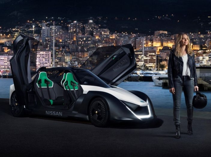 Margot Robbie testimonial di Nissan Electric Con Blade Glider - Foto 3 di 8