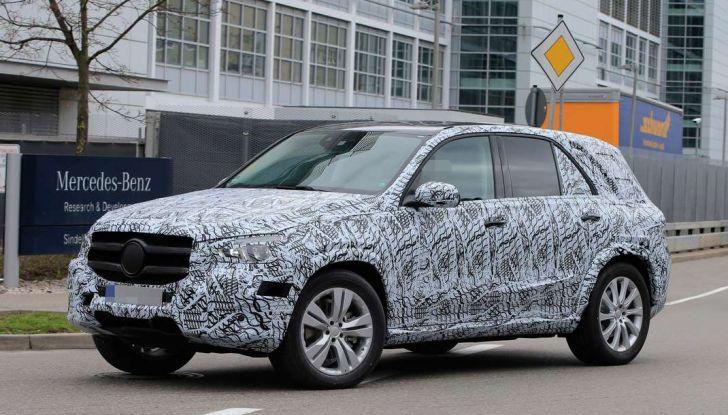 Mercedes GLE, nuove immagini spia dei test su strada - Foto 1 di 9