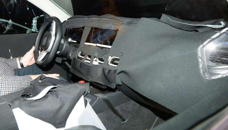 Mercedes GLE, nuove immagini spia dei test su strada - Foto 9 di 9