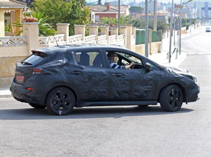 Nuova Nissan Leaf MY2018, la seconda generazione debutta entro fine anno - Foto 7 di 12