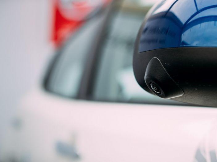 Nissan Leaf, la guida autonoma avanza nel traffico di Londra - Foto 18 di 23