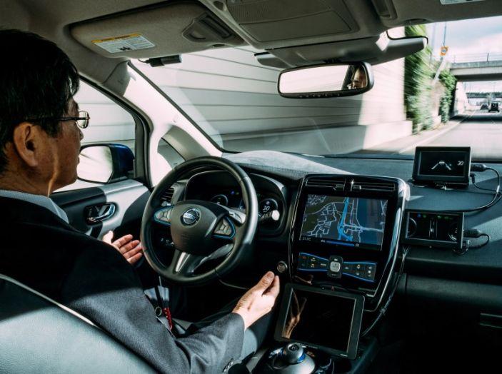 Nissan Leaf, la guida autonoma avanza nel traffico di Londra - Foto 4 di 23