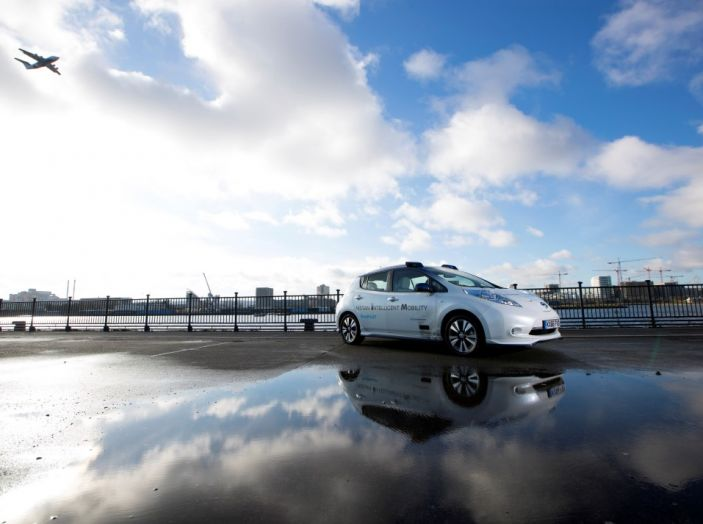 Nissan Leaf, la guida autonoma avanza nel traffico di Londra - Foto 21 di 23