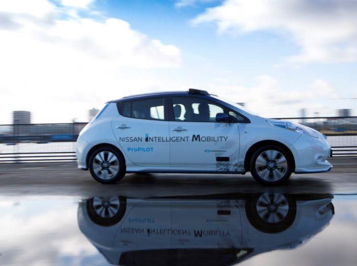 Nissan Leaf, la guida autonoma avanza nel traffico di Londra - Foto 22 di 23