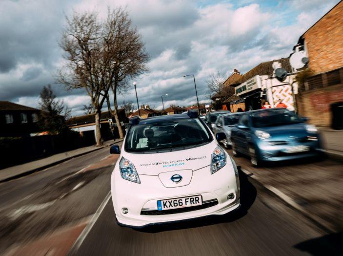 Nissan Leaf, la guida autonoma avanza nel traffico di Londra - Foto 7 di 23