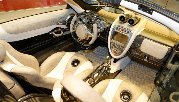 Pagani Huayra Roadster: torna il 6,0 litri V12 di derivazione AMG - Foto 19 di 22