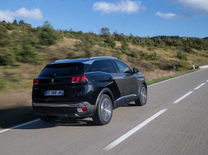 Peugeot 3008: tutti gli allestimenti, i motori ed i prezzi - Foto 25 di 29