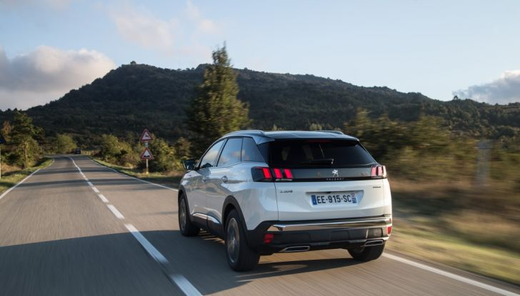 Peugeot 3008: tutti gli allestimenti, i motori ed i prezzi - Foto 28 di 29