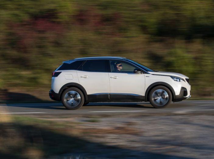 Peugeot 3008: tutti gli allestimenti, i motori ed i prezzi - Foto 2 di 29