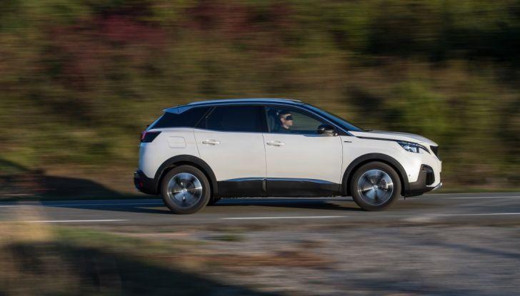 """Peugeot 3008 vince il premio """"Car of the Year 2017"""" - Foto 2 di 29"""