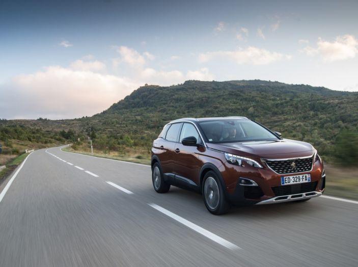 Peugeot 3008: tutti gli allestimenti, i motori ed i prezzi - Foto 1 di 29