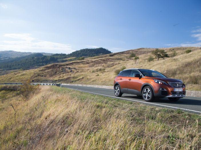 Peugeot 3008: tutti gli allestimenti, i motori ed i prezzi - Foto 4 di 29