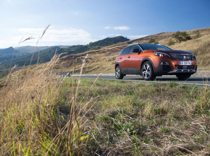 Peugeot 3008: tutti gli allestimenti, i motori ed i prezzi - Foto 5 di 29