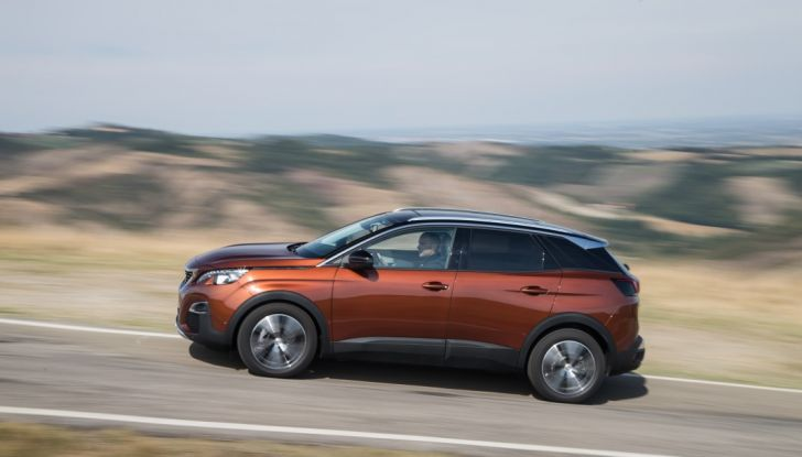 "Peugeot 3008 vince il premio ""Car of the Year 2017"" - Foto 7 di 29"