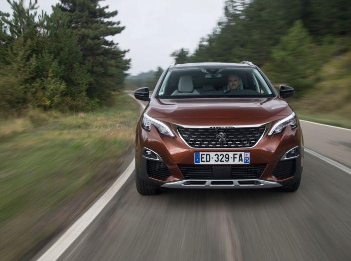 Peugeot 3008: tutti gli allestimenti, i motori ed i prezzi - Foto 8 di 29