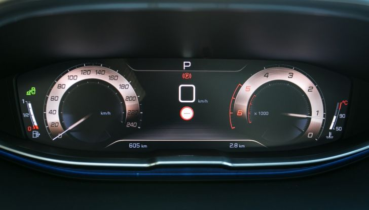Peugeot 3008: tutti gli allestimenti, i motori ed i prezzi - Foto 10 di 29